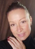 Anita meleg kókuszolajos masszázsa Dunakeszin +3670-361-2991